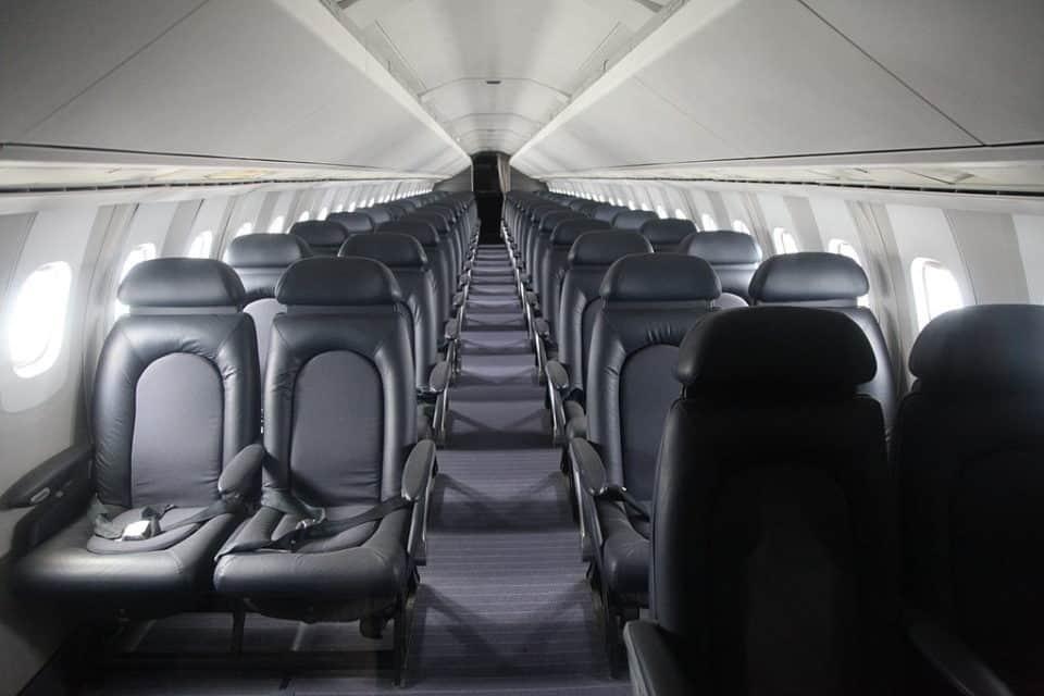 La raison scientifique pour laquelle toutes les fenêtres d'un avion sont rondes - voyage, technologie - technologie, Rond, Rectangle, Pressurisation, Pression atmosphérique, Hublot, Forme (géométrie), Fenêtre, Esthétique, Cylindre, Compagnie aérienne, avion, Aéronautique